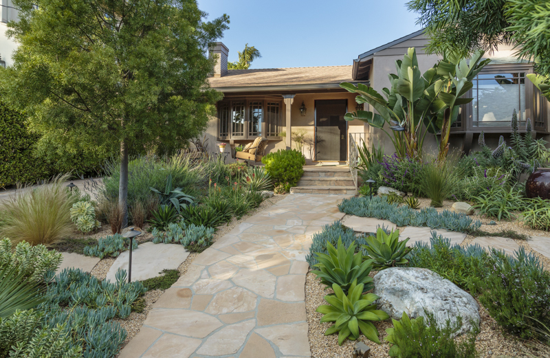 Four Easy Ways to Increase Your Front Yard Curb Appeal While Decreasing Your Carbon Footprint